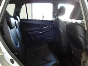 Toyota RAV4 2.2D-4D VX - Image 26