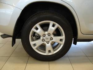 Toyota RAV4 2.2D-4D VX - Image 28