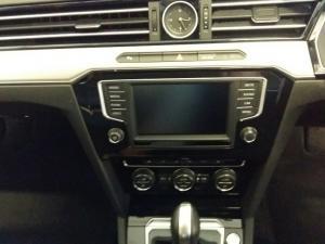 Volkswagen Passat 2.0 TSI R-LINE DSG - Image 6