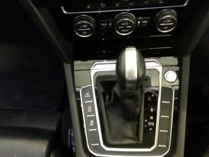 Volkswagen Passat 2.0 TSI R-LINE DSG - Image 7
