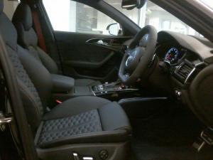 Audi RS6 Quattro Avant - Image 10