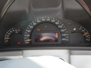 Mercedes-Benz C 200K Classic - Image 12
