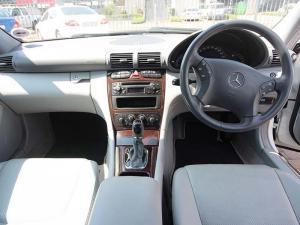 Mercedes-Benz C 200K Classic - Image 14