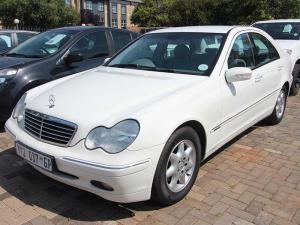 Mercedes-Benz C 200K Classic - Image 2