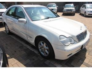 Mercedes-Benz C 200K Classic - Image 4