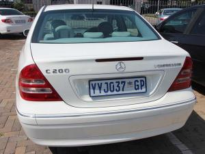 Mercedes-Benz C 200K Classic - Image 5