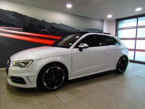 Audi S3 Stronic 3-Door - Image 1