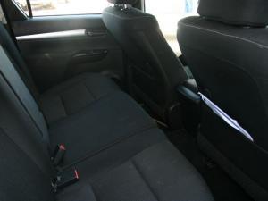 Toyota Hilux 4.0 V6 Raider 4X4D/C automatic - Image 10