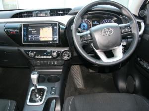 Toyota Hilux 4.0 V6 Raider 4X4D/C automatic - Image 11