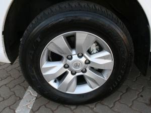 Toyota Hilux 4.0 V6 Raider 4X4D/C automatic - Image 7