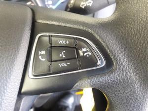 Ford Focus sedan 1.0T Ambiente - Image 4