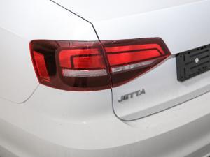 Volkswagen Jetta GP 1.6 Conceptline - Image 2
