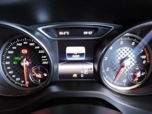 Mercedes-Benz A 200 Urban automatic - Image 4