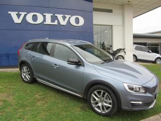Volvo V60 CC D4 Momentum Geartronic AWD