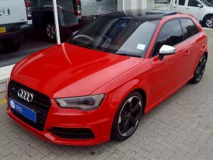 Audi S3 Stronic 3-Door - Image 1