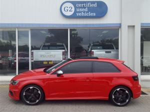 Audi S3 Stronic 3-Door - Image 2