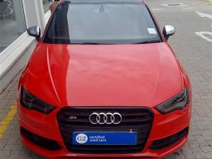 Audi S3 Stronic 3-Door - Image 4