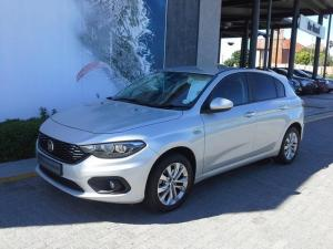 Fiat Tipo 1.6 Easy automatic 5-Door - Image 1