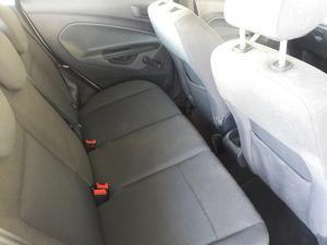 Ford Fiesta 5-door 1.6 Ambiente - Image 15