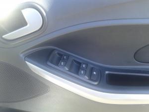 Ford Figo hatch 1.5 Titanium - Image 13