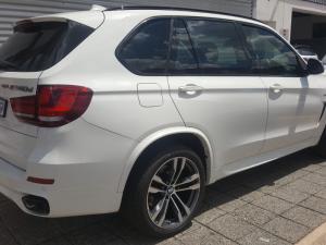 BMW X5 M50d - Image 4