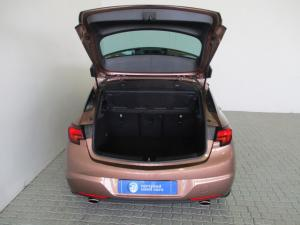 Opel Astra 1.6T Sport - Image 4