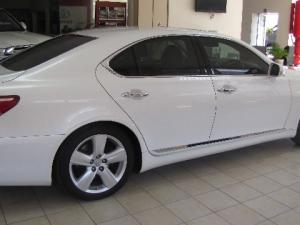 Lexus LS 460 - Image 4