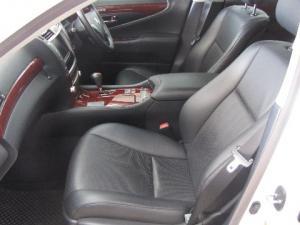 Lexus LS 460 - Image 6