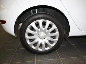 Ford Fiesta 1.0 Ecoboost Ambiente Powershift 5-Door - Image 6