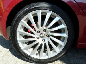 Alfa Romeo Giulietta 1.8T Quad Verde 5-Door - Image 15