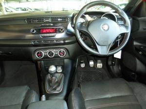 Alfa Romeo Giulietta 1.8T Quad Verde 5-Door - Image 7