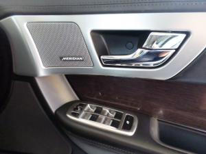 Jaguar XF 3.0 Supercharged Premium Luxury - Image 17