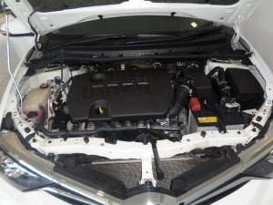 Toyota Auris 1.6 XS - Image 10