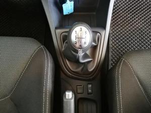Renault Clio IV 900 T Expression 5-Door - Image 11