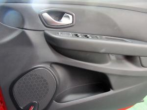 Renault Clio IV 1.6 RS 200 EDC LUX - Image 13
