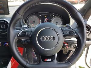 Audi S3 Stronic 3-Door - Image 9