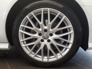 Audi A6 2.0 TDiStronic - Image 13