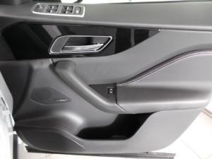 Jaguar F-Pace 20d AWD R-Sport - Image 13