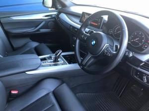 BMW X5 M50d - Image 11