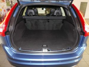 Volvo XC60 T6 AWD Inscription - Image 8