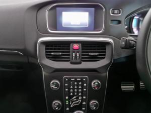 Volvo V40 D3 R-Design - Image 11