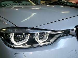 BMW 3 Series 320i Luxury auto - Image 14
