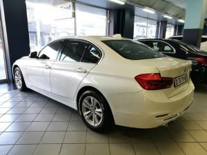 BMW 3 Series 320i Luxury auto - Image 2