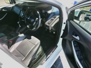 Ford Focus ST 3 - Image 6