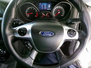 Ford Focus ST 3 - Image 9