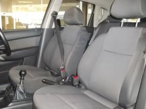 Chevrolet Aveo 1.6 LS hatch - Image 10