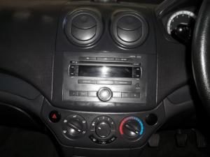Chevrolet Aveo 1.6 LS hatch - Image 8