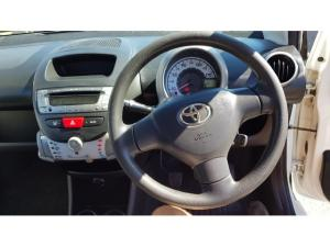 Toyota Aygo 3-door 1.0 Fresh - Image 11