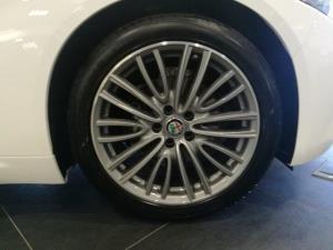 Alfa Romeo Giulia 2.0T Super - Image 8