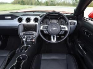 Ford Mustang 2.3 Ecoboost automatic - Image 3